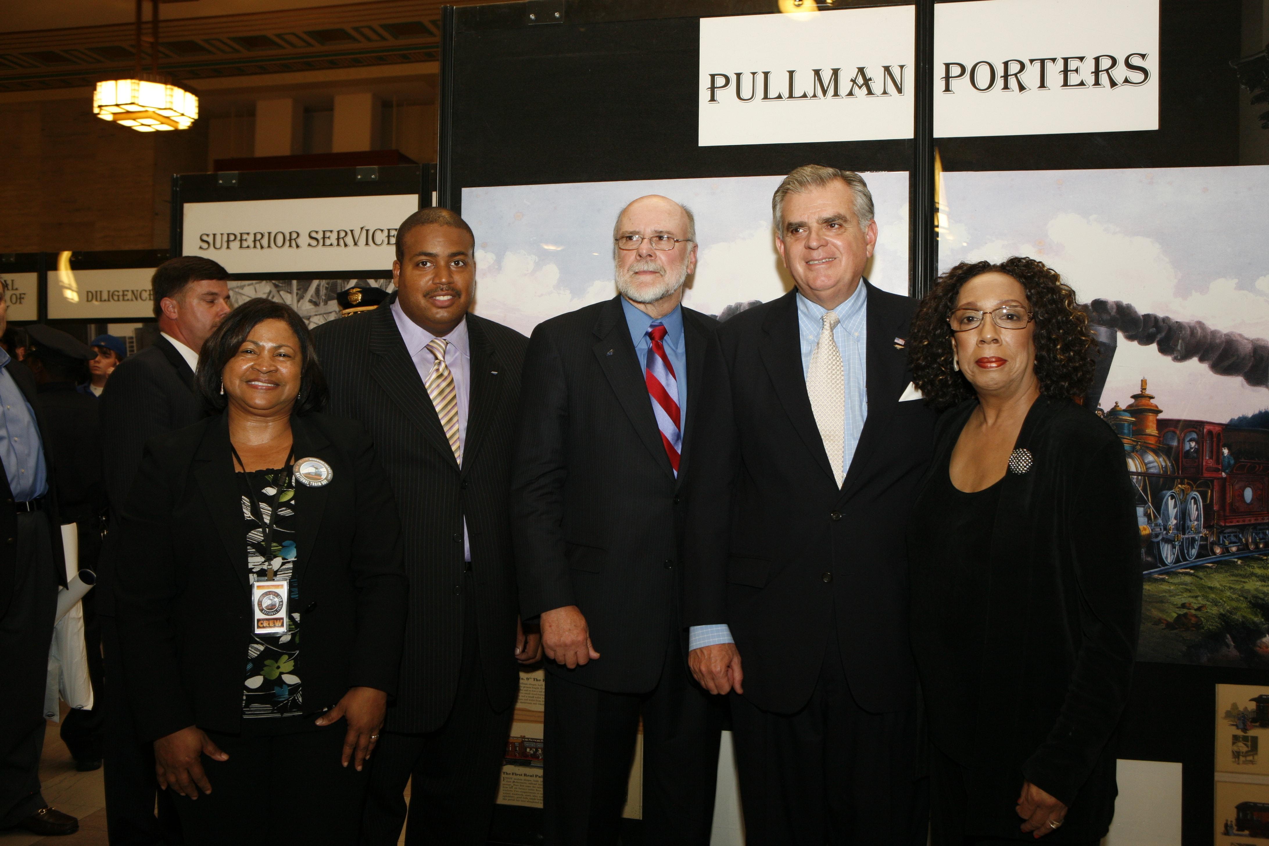 Pullman porters in Philadelphia Sat., May 9, 2009. (AP Photo/Mark Stehle)